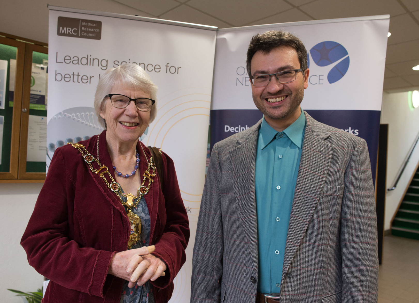 The MRC BNDU is visited by Councillor Jean Fooks, the Lord Mayor of Oxford, here with Unit scientist Dr Rafal Bogacz.