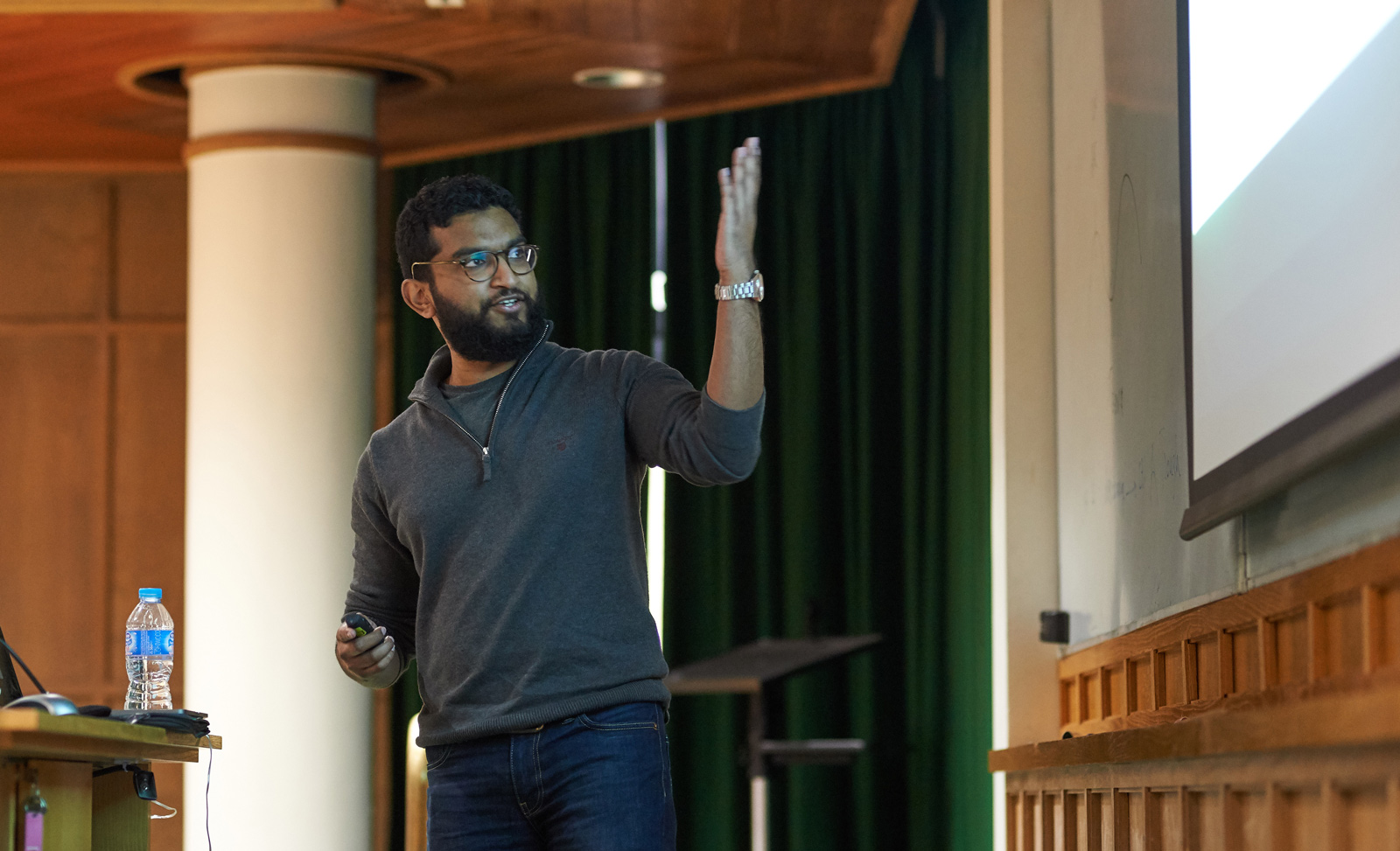 Unit postdoctoral scientist Gihan Weerasinghe uses his computational models to illustrate some of the fundamentals of rhythmic activity in the brain.